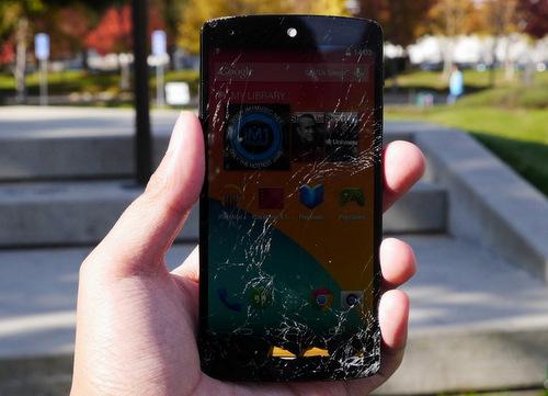 Màn thả rơi thử độ bền Nexus 5
