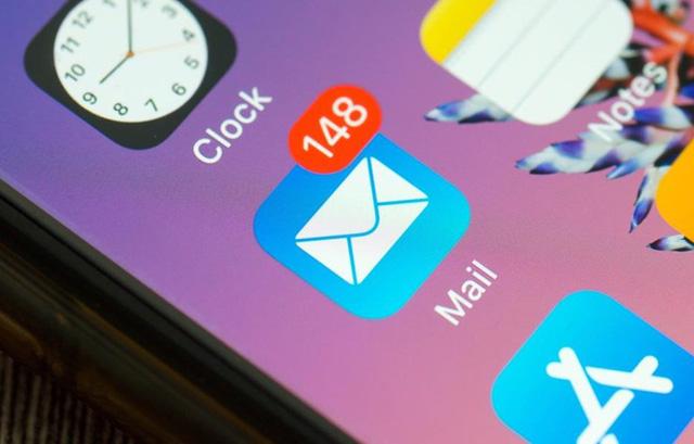 Cách hoạt động của email trên iOS mới