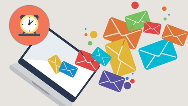 Gửi email hẹn giờ