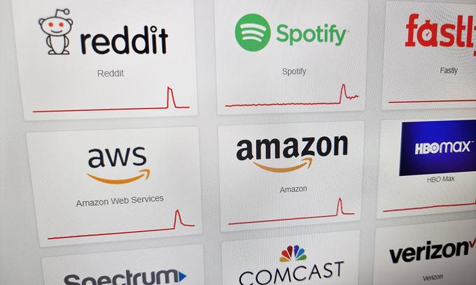 Hàng loạt website lớn trên thế giới sập