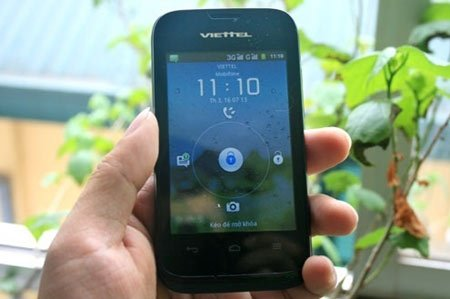 2 smartphone giá rẻ tiêu biểu của Việt Nam