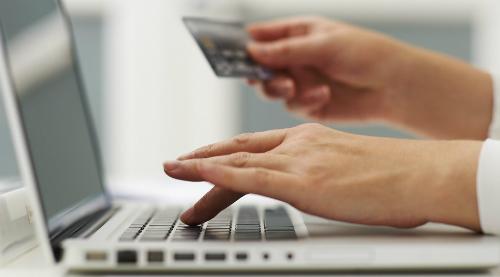 Mô hình kinh doanh mua hàng online nhận hàng tại shop