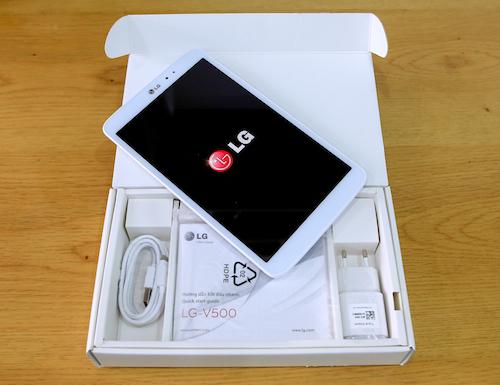 Máy tính bảng G Tablet 8.3 giá 8 triệu đồng của LG mở hộp