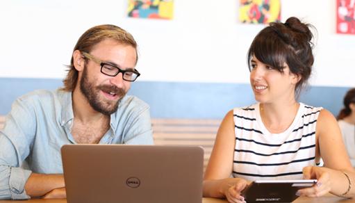 Nghệ thuật thuyết phục khách hàng bằng một nụ cười Ý nghĩa của nụ cười trong giao tiếp