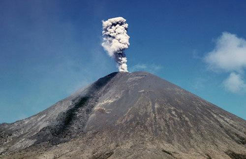 Núi lửa ở Viễn Đông Nga phun tro bụi cao 6,5 km
