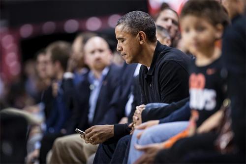 Barack Obama không được phép dùng iPhone